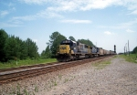 CSX 8539 leads a NB grain